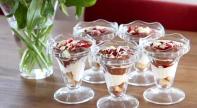 Monchou aardbeien trifle